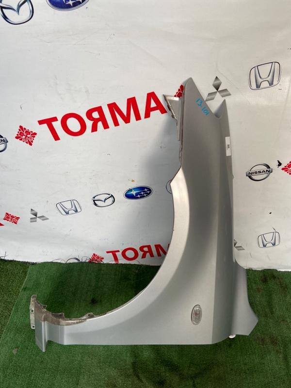 Крыло Mazda Demio DY3W переднее левое