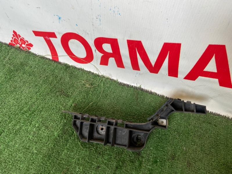 Крепление бампера Honda Accord CL7 переднее правое