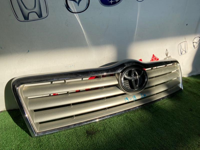Решетка радиатора Toyota Avensis ADT250