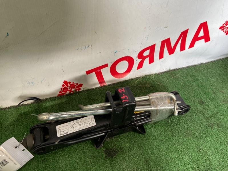 Домкрат Toyota Estima GSR50W