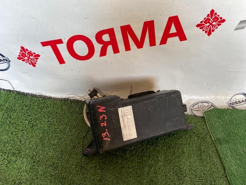 Блок предохранителей Toyota Harrier ACU10W