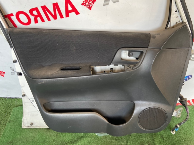 Обшивка дверей Toyota Spacio NZE120 передняя левая