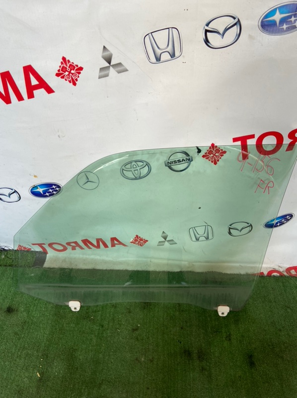 Стекло двери Honda Step Wagon RF1 переднее правое