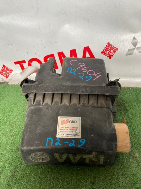 Корпус воздушного фильтра Toyota Belta SCP10 1SZ-FE