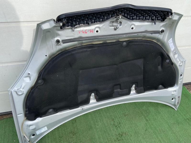 Обшивка капота Toyota Vitz NCP10