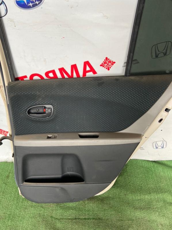 Обшивка дверей Toyota Vitz KSP90 задняя правая