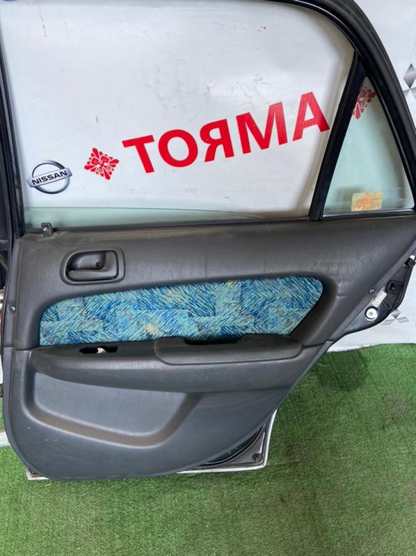 Обшивка дверей Toyota Carib AE115 7A задняя правая