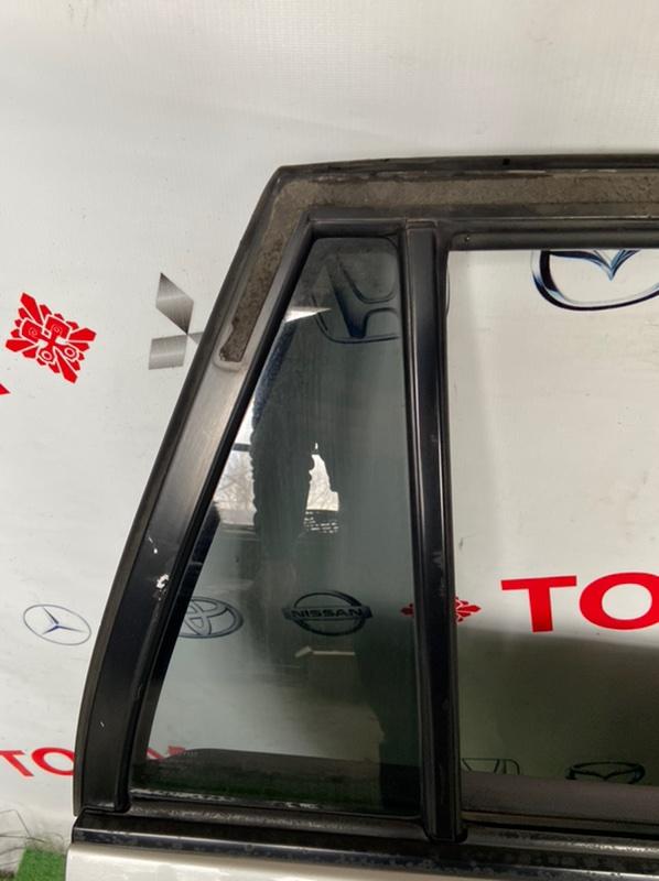 Стекло двери Toyota Corolla Fielder ZZE122 заднее правое