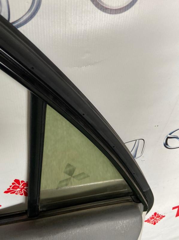 Стекло двери Toyota Harrier ACU10W заднее правое