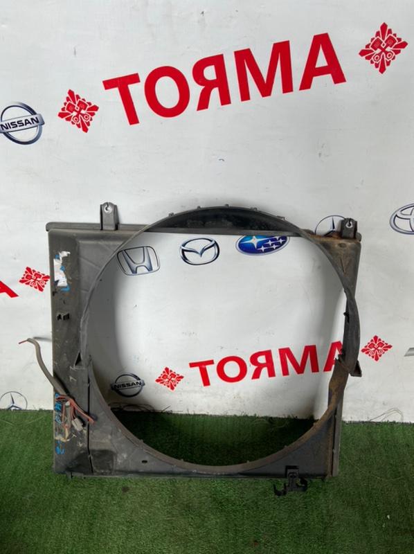 Диффузор радиатора Toyota Grand Hiace VCH10W 5VZ-FE