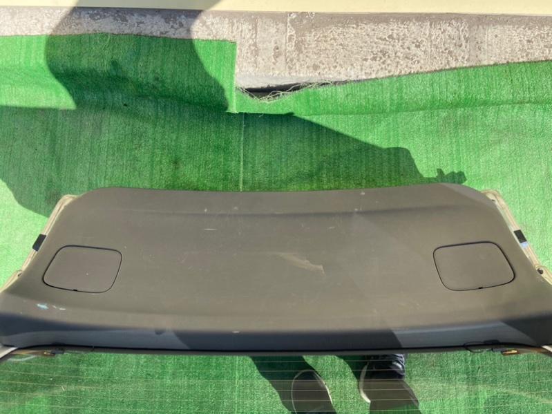Обшивка двери багажника Nissan Wingroad VENY11
