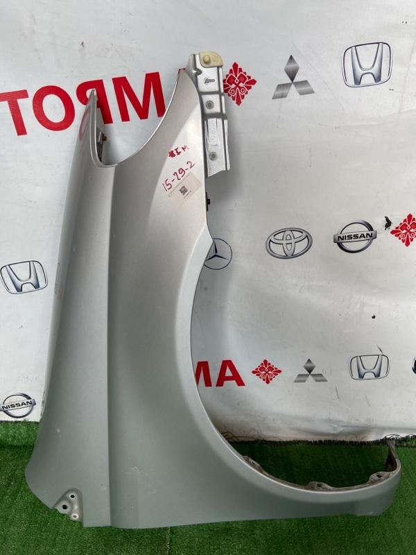 Крыло Toyota Echo NCP12 переднее правое