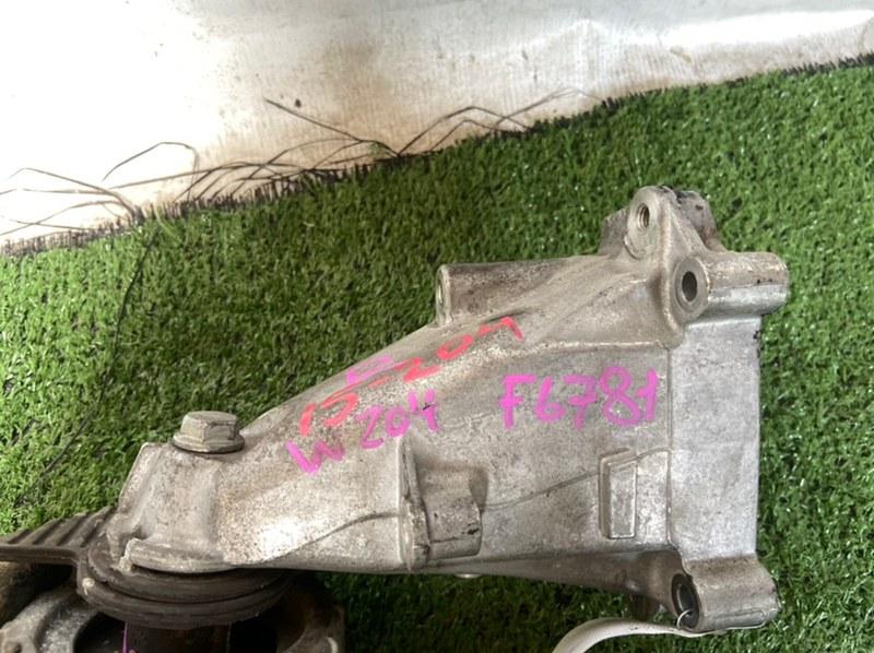 Кронштейн подушки двигателя Mercedes C-Class W204 M271 левый
