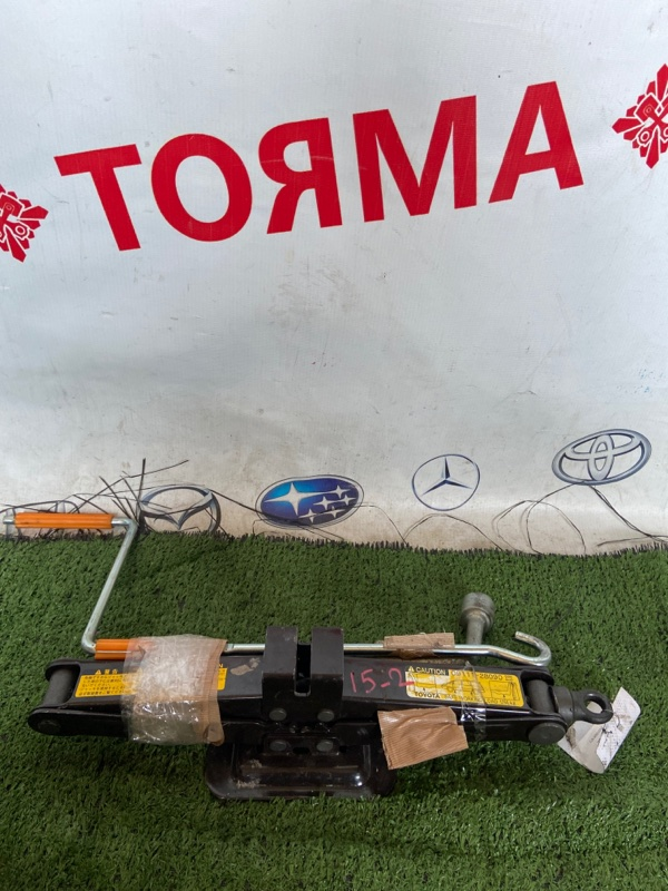 Домкрат Toyota Previa TCR10