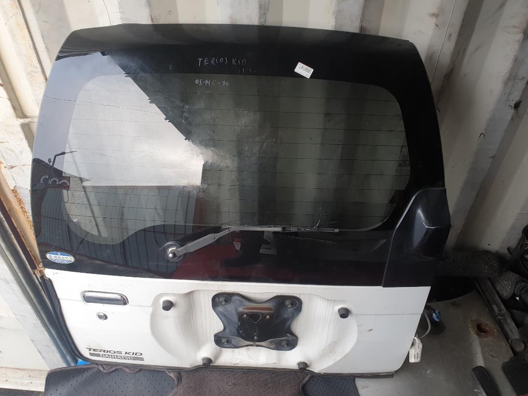Дверь багажника Daihatsu Terios Kid J111G (б/у)