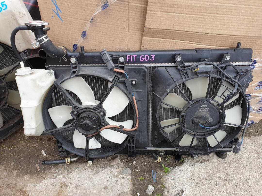 Радиатор двс Honda Fit GD3 L15A (б/у)
