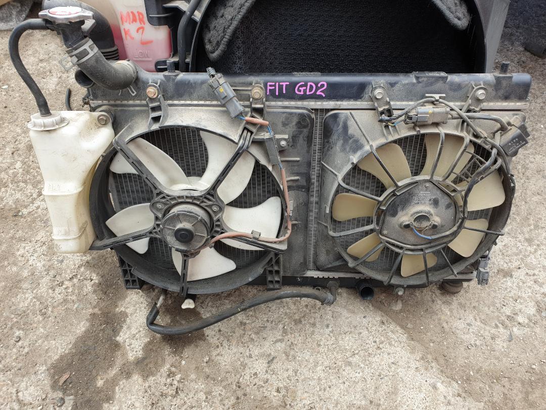 Радиатор двс Honda Fit GD2 (б/у)