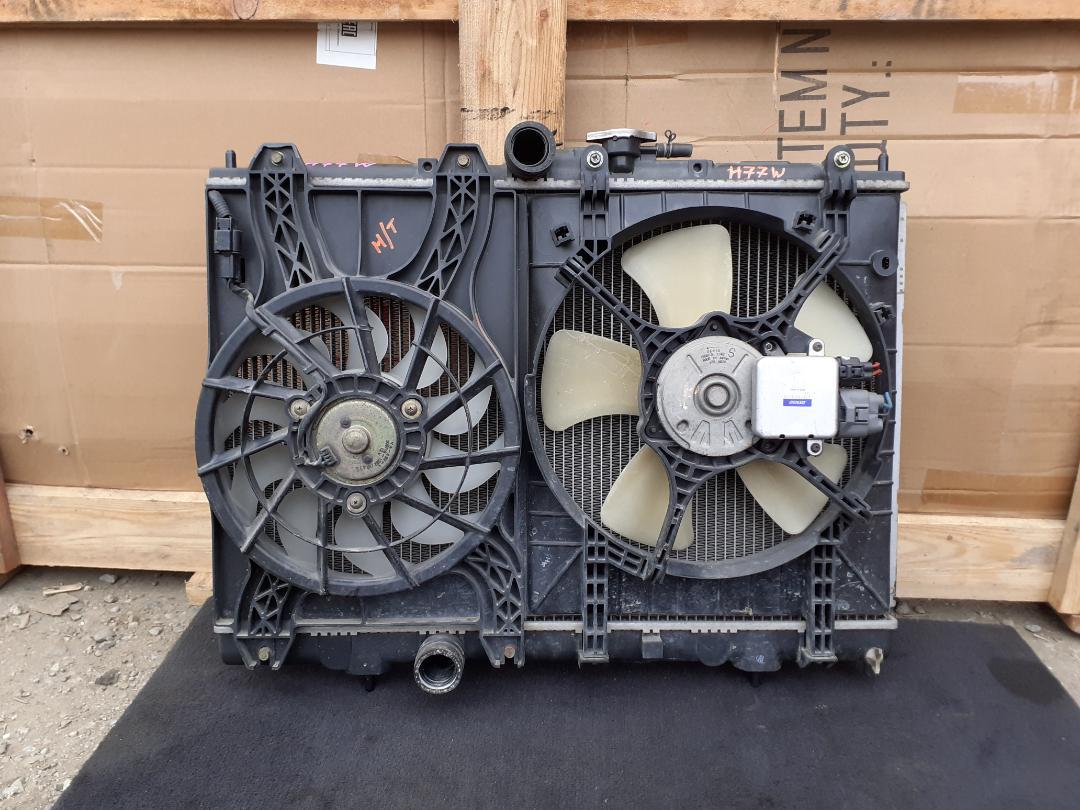 Радиатор двс Mitsubishi Pajero Io H76W 4G93 (б/у)