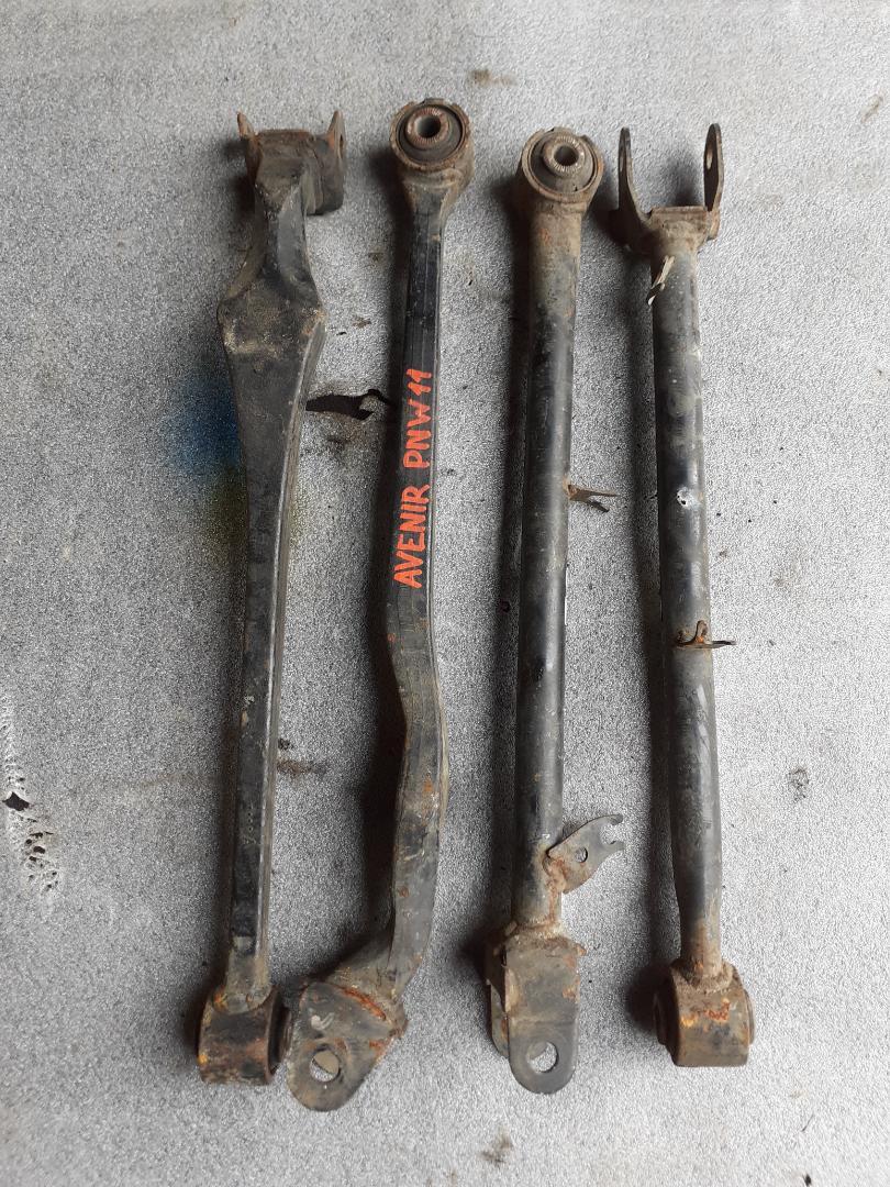 Тяга подвески (комплект) Nissan Avenir RW11 задняя (б/у)
