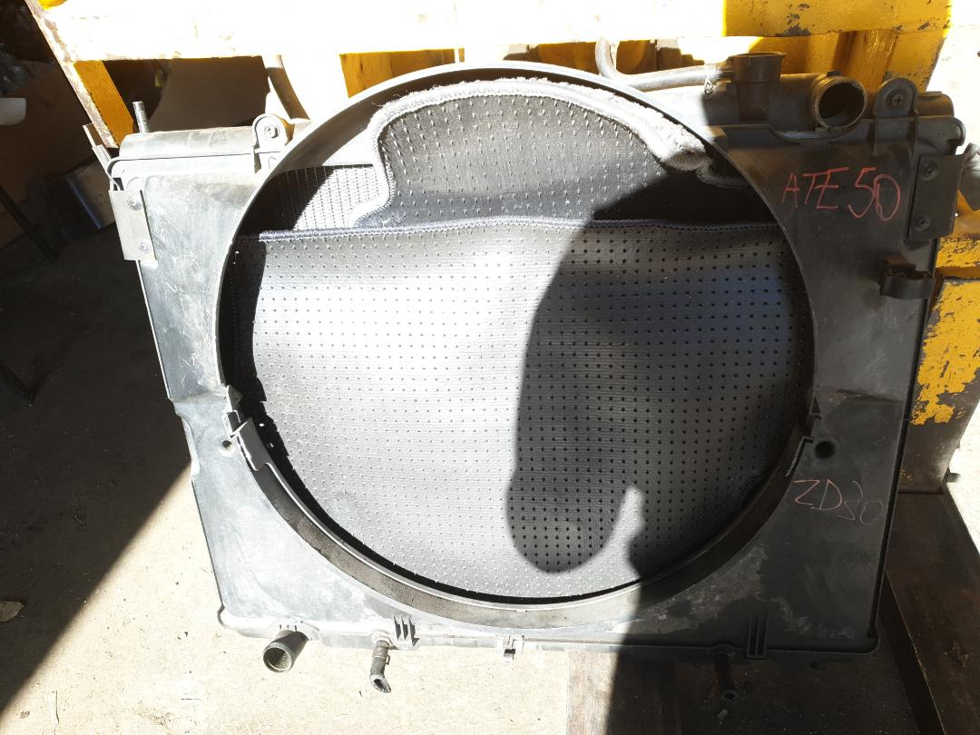 Радиатор двс Nissan ATE50 ZD30 (б/у)