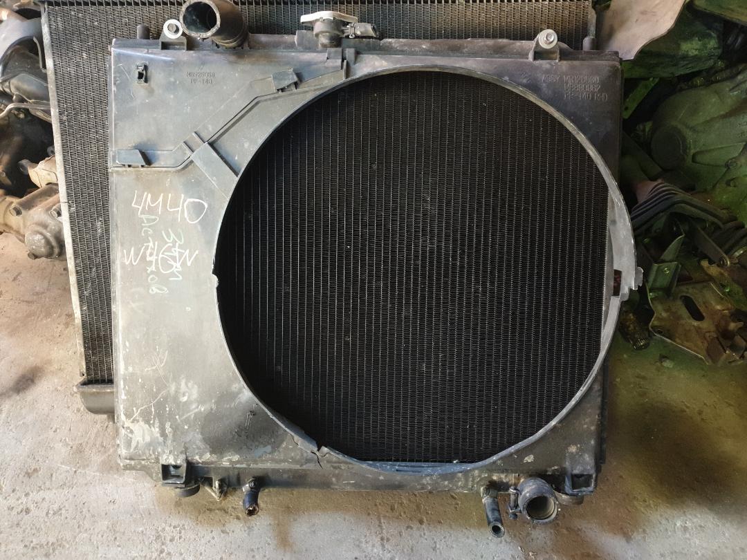 Радиатор двс Mitsubishi Pajero V46W 4M40 (б/у)