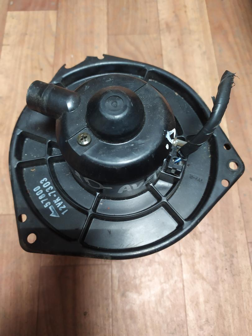 Мотор печки Nissan Avenir PNW10 (б/у)