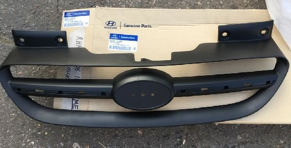 Решетка радиатора Hyundai Getz BJ 1.4 2002 2003 2004 2005 2006 2007 2008 2009 2010 2011 (б/у) 863611C410