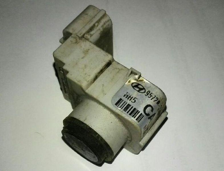 Датчик парктроника Hyundai Ix-35 TM G4KD 2010 (б/у) 957202S000