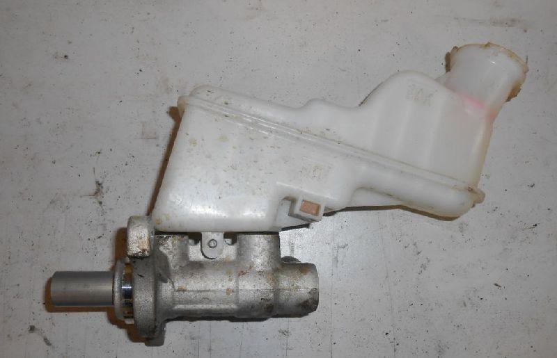 Бачок для тормозной жидкости Hyundai Solaris 1 SB G4FA 2010 (б/у) 585104L150