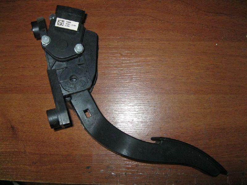 Датчик положения педали газа Hyundai Solaris 1 SB G4FA 2010 (б/у) 351904A700
