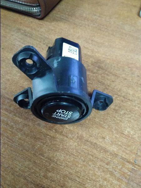 Кнопка Hyundai Solaris 1 SB G4FA 2010 (б/у) 954301R500