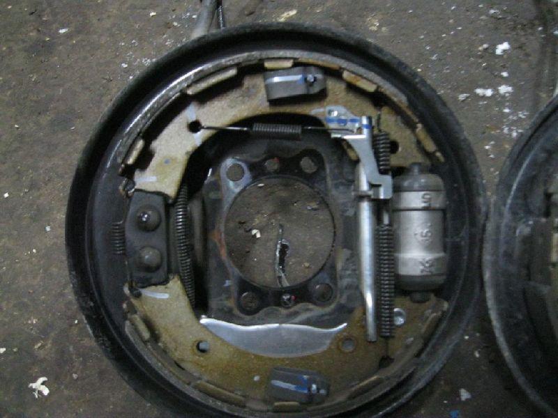 Тормозные колодки Hyundai Solaris 1 SB G4FA 2010 заднее (б/у) 583050UA00