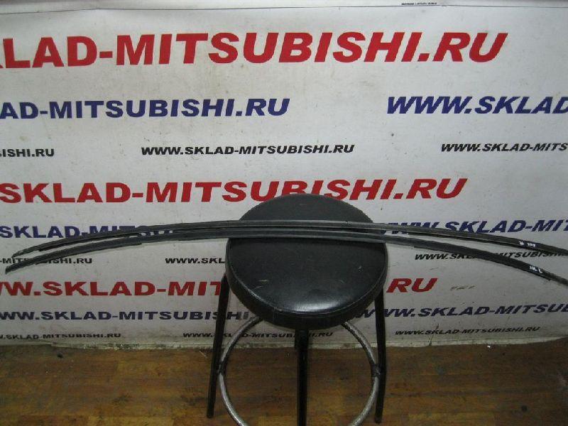 Молдинг на крыло Hyundai Solaris 1 SB G4FA 2010 правый (б/у) 872414L000