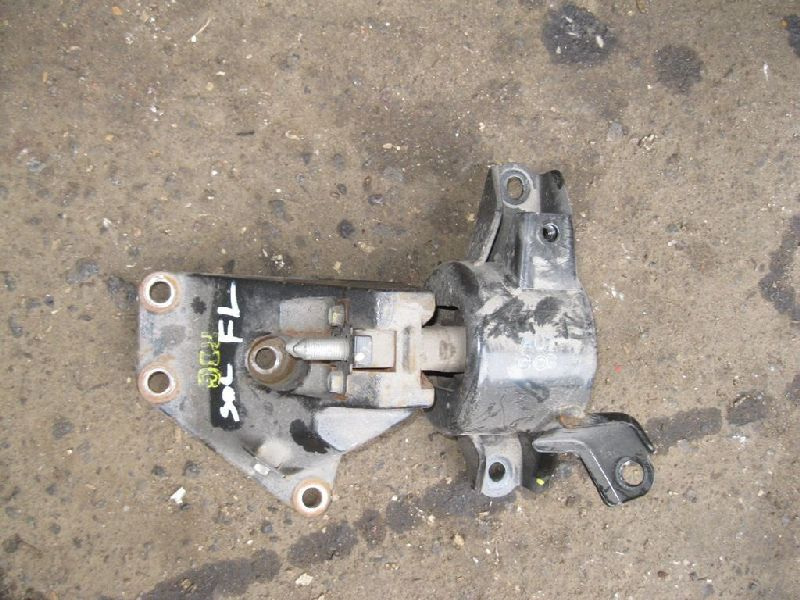 Подушка двигателя Hyundai Solaris 1 SB G4FA 2010 левая (б/у) 218301R000