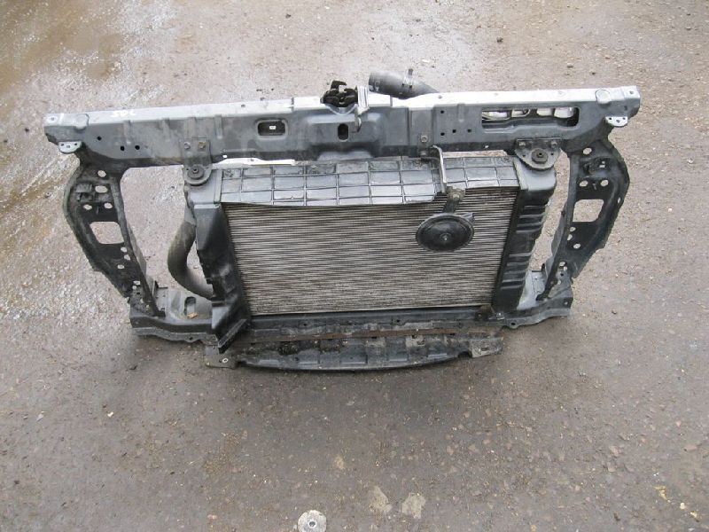 Дефлектор радиатора Hyundai Solaris 1 SB G4FA 2010 верхний (б/у) 291351R000