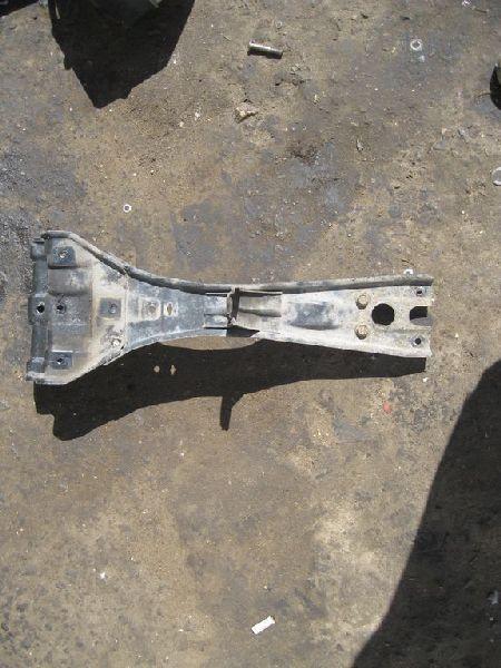 Суппорт радиатора Hyundai Terracan EF 2.5TD 2003 2004 2005 2006 (б/у) 64920H1000
