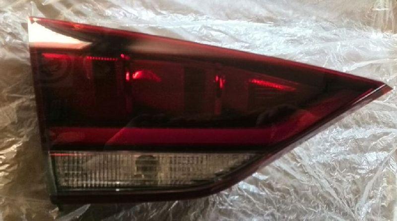 Фонарь в крышку багажника Hyundai Genesis B1 3.3 2008 задний левый (б/у) 92403B1020