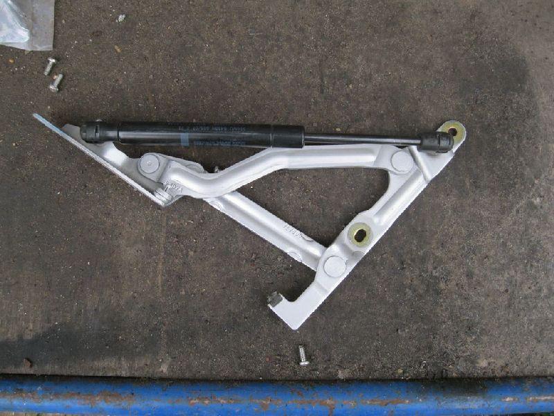 Петля крышки багажника Mazda Mazda 6 GG 1.8 2003 (б/у)