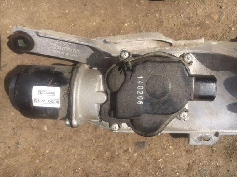 Мотор дворников Mitsubishi L200 2005- KB4T 4D56 2005 передний (б/у) 8250A125