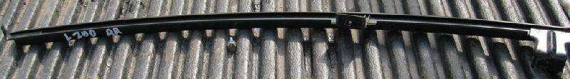 Направляющая планка стекла двери Mitsubishi L200 2005- KB4T 4D56 2005 задняя правая (б/у) MN117554