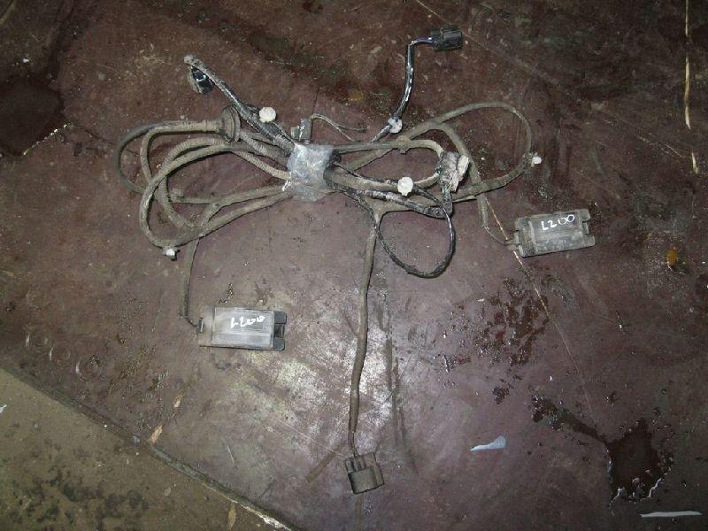 Проводка бампера Mitsubishi L200 2005- KB4T 4D56 2005 (б/у)