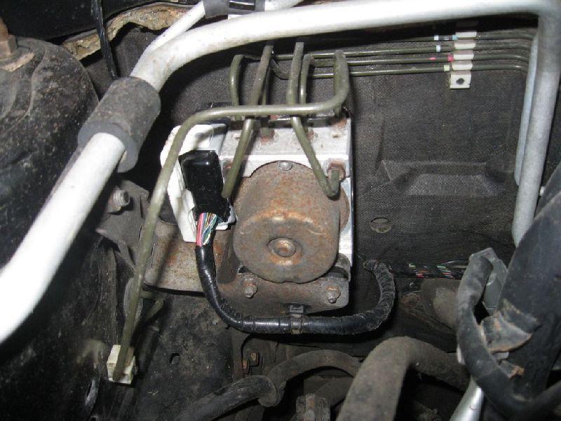 Блок abs Mitsubishi Lancer 9 CS1A 4G13 2000 2001 2002 2003 2004 2005 2006 2007 2008 2009 2010 2011 (б/у) MN116261