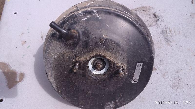 Вакуумный усилитель Mitsubishi Lancer 9 CS1A 4G13 2000 2001 2002 2003 2004 2005 2006 2007 2008 2009 2010 2011 (б/у) MR527618