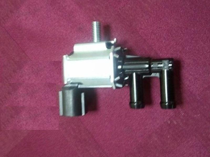 Клапан электромагнитный впускного коллектора Mitsubishi Lancer 9 CS1A 4G13 2000 2001 2002 2003 2004 (б/у) MR507782
