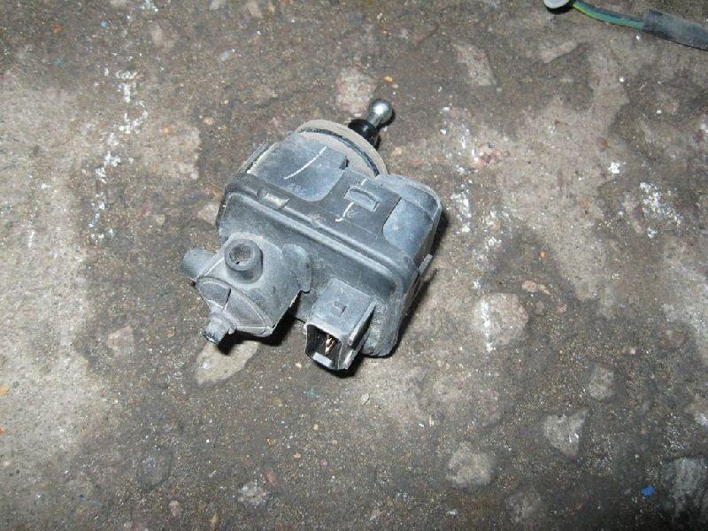 Корректор фары Mitsubishi Lancer 9 CS1A 4G13 2000 2001 2002 2003 2004 2005 2006 2007 2008 2009 2010 2011 (б/у) 114