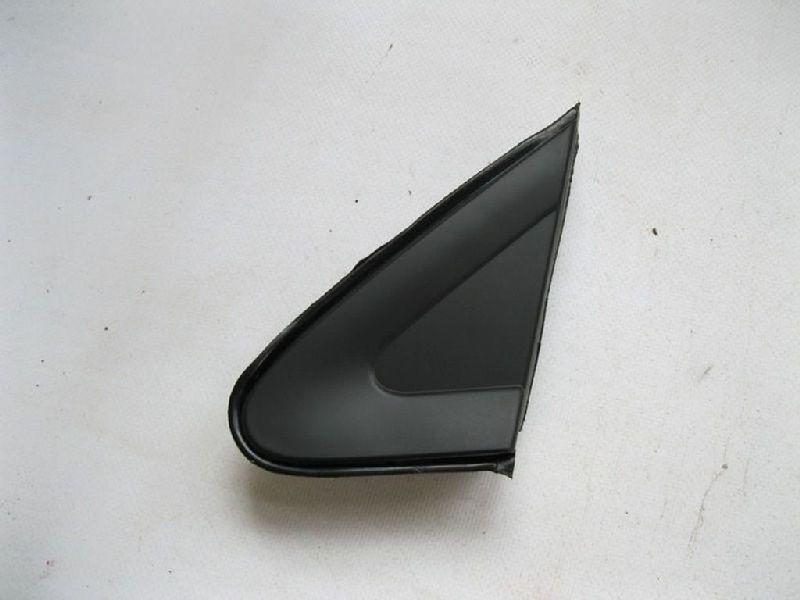 Молдинг зеркала треугольный Mitsubishi Lancer 9 CS1A 4G13 2000 2001 2002 2003 2004 2005 2006 2007 2008 2009 2010 2011 левый 42CV001L