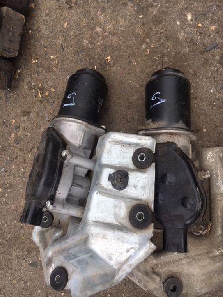 Мотор дворников Mitsubishi Lancer 9 CS1A 4G13 2000 2001 2002 2003 2004 2005 2006 2007 2008 2009 2010 2011 передний (б/у) MR957879