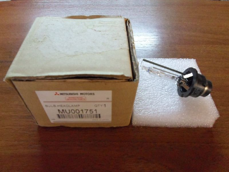 Лампа Mitsubishi Outlander 3 GF2W 4B10 2012 MU001751