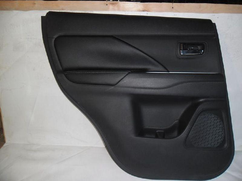 Обшивка двери Mitsubishi Outlander 3 GF2W 4B10 2012 задняя левая (б/у) 7222B115XA