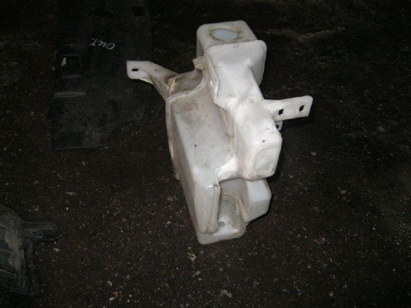 Бачок омывателя Mitsubishi Outlander Xl CW1W 4B11 2006 2007 2008 2009 2010 2011 2012 (б/у) 8260A094